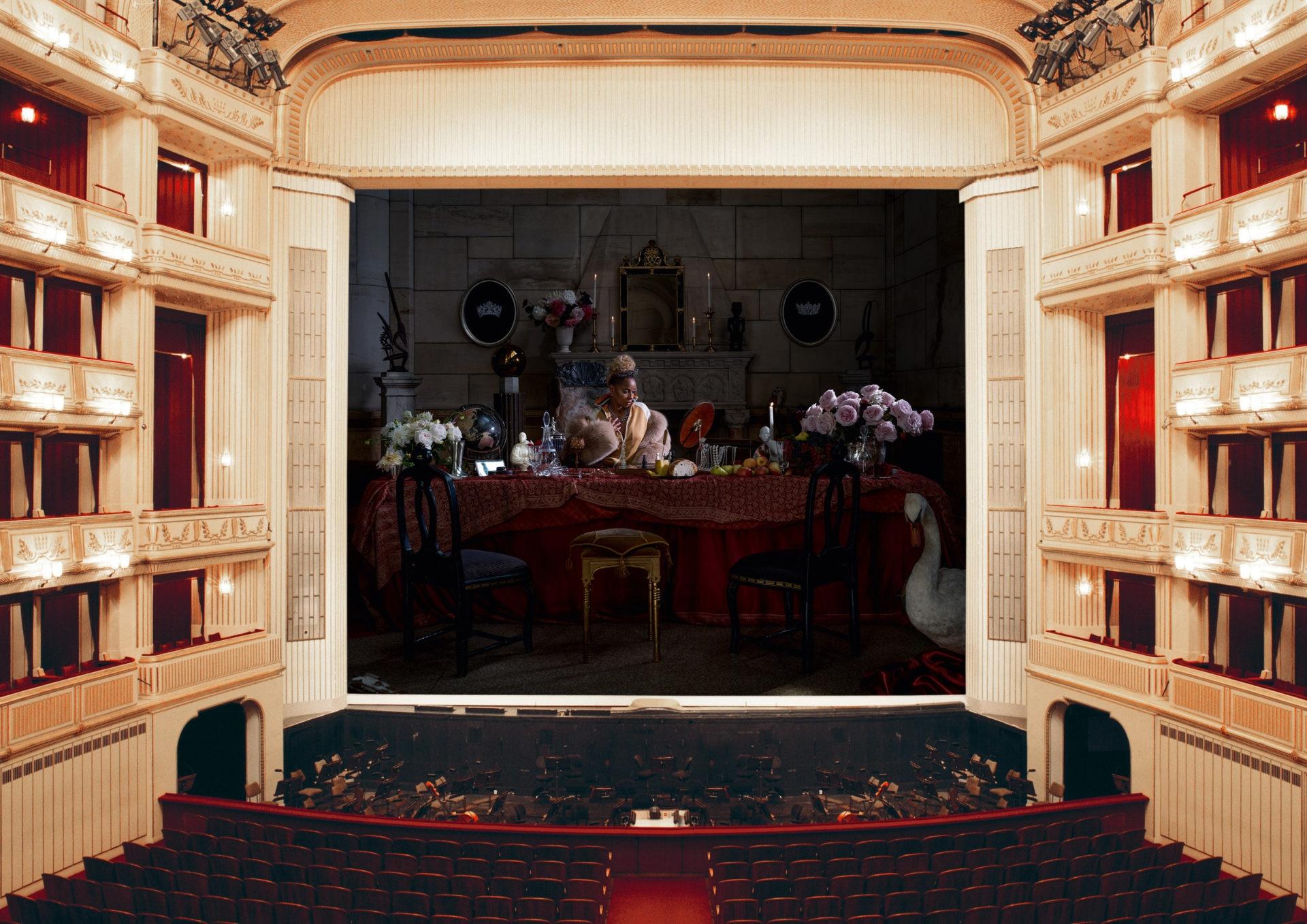 Theatervorhang: Eine Grenze zwischen Wirklichkeit und Illusion