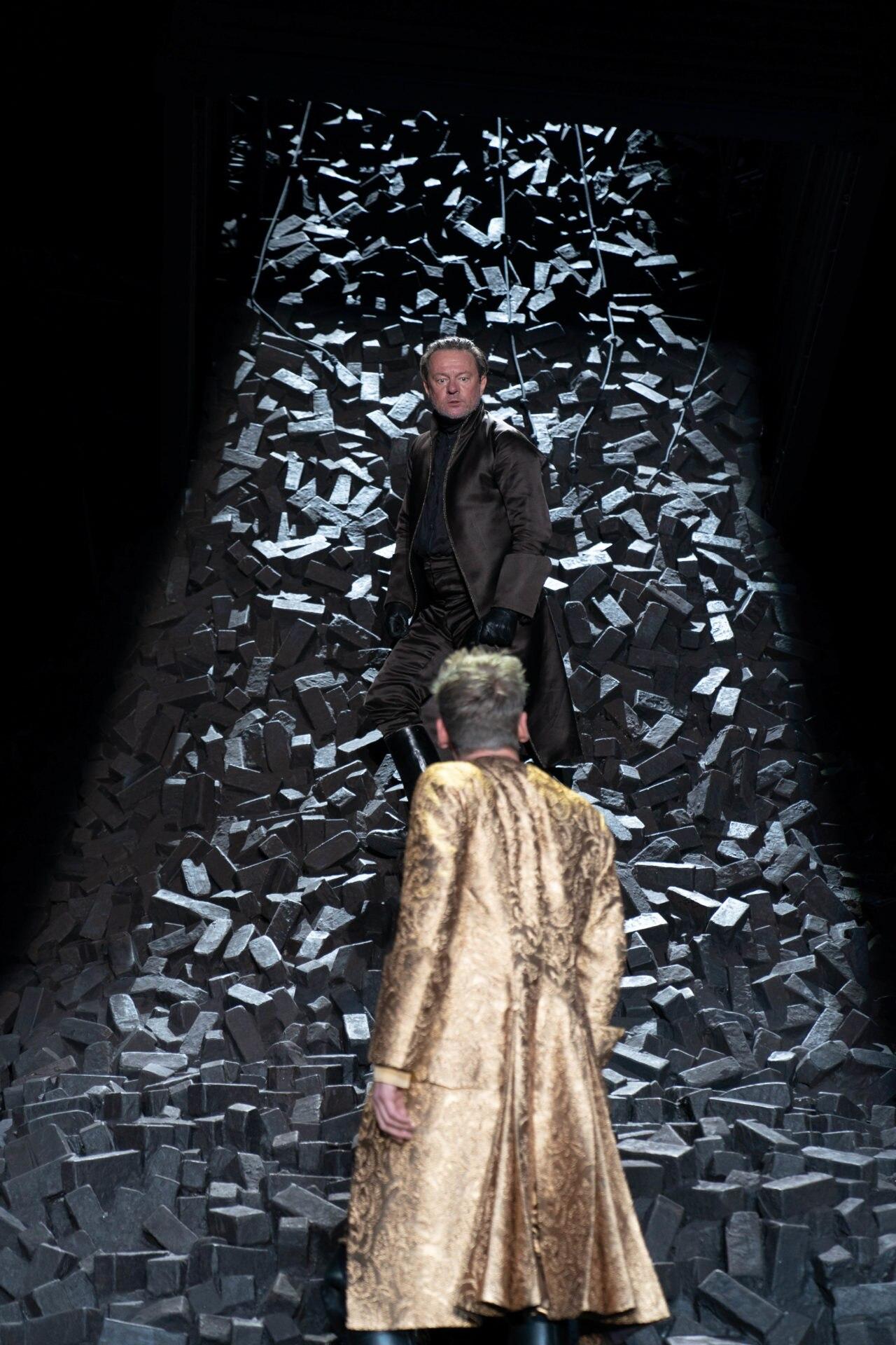 Antike bis Karaoke: Das Burgtheater eröffnet mit Premierenreigen