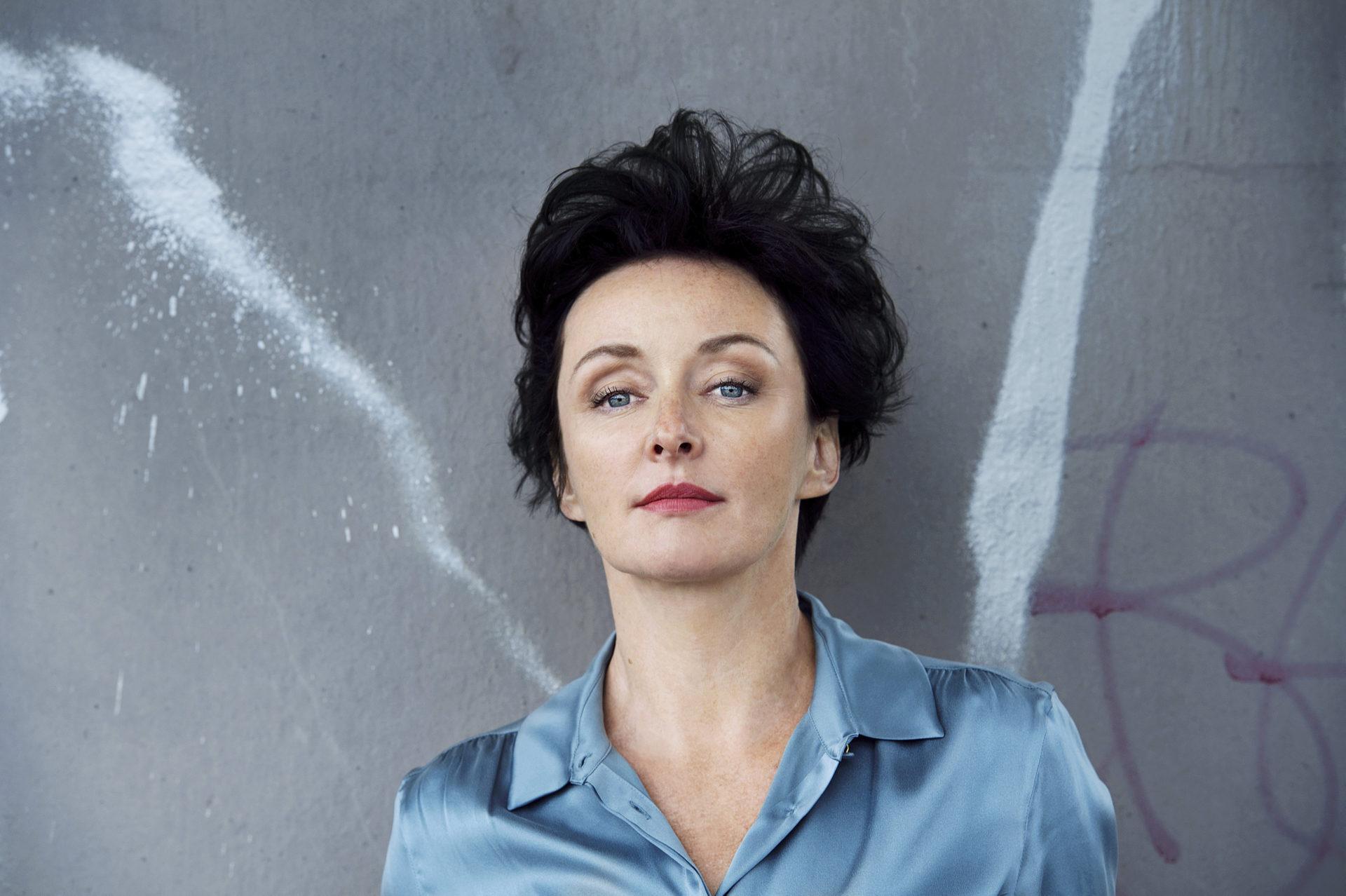 Regina Fritsch im Porträt: Mit dem Kopf in den Wolken